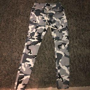 Camo baggy pants